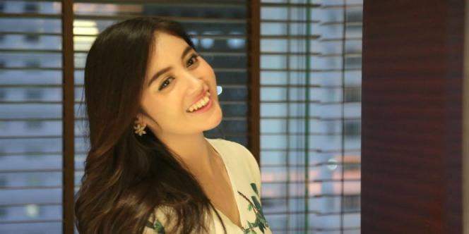 Foto Bareng Nabilah JKT48, Siapa ya Namanya?