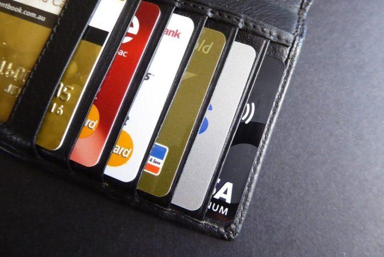Menentukan Limit Bank Kartu Kredit Anda - ZoyaQQ Lounge