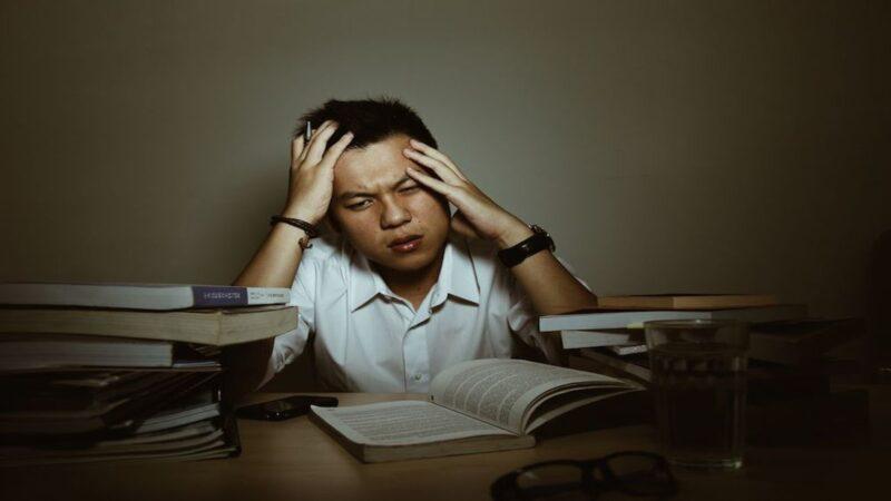 5 Dampak Negatif Sering Begadang bagi Otak