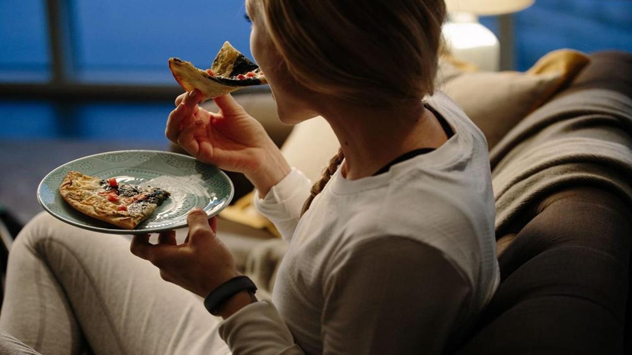 Ada 5 Bahaya Makan Jelang Waktu Untuk Tidur